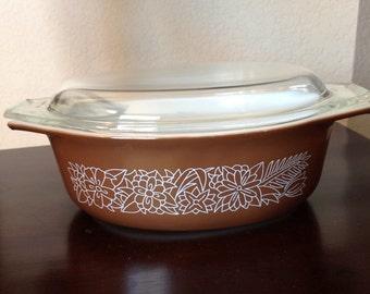 Vintage Pyrex Woodland Casserole Dish w/ Lid 1.5q 043