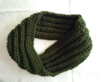 Dark Green Knitted Mistake-Rib Twisted Infinity Scarf
