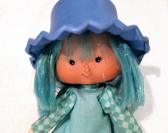 Vintage Strawberry Shortcake Blueberry Muffin Doll 80s, Blue Hat and Blue Dress, KENNER, Made in Hong Kong