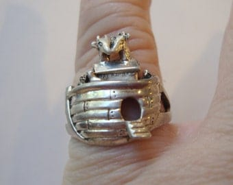 Sterling Silver 925 Stamped, Noah's Arc Ring  Size 5.75.