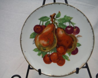 Vintage Japanese Fruit Saucer with Gold Trim - Antique, Vintage