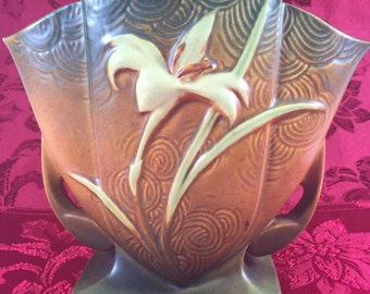 Roseville Zephyr Lily Vase