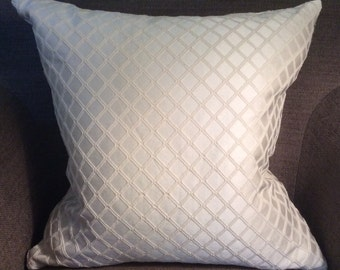Ivory Diamond Textured Pattern Cotton Poly Decorative Pillow Cover Throw Pillow 20""