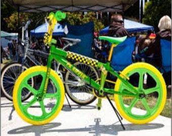 "2"" x 3"" Magnet Green BMX Bike"