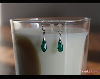 Emerald crystal and silver earrings