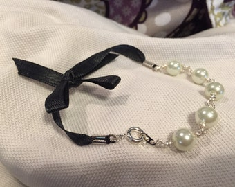 Gorgeous Pearl Bead and Ribbon Bracelet