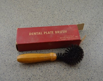 Vintage 50's Dental Brush, Twisted Wire, Wood Handle Scrubber,  #207
