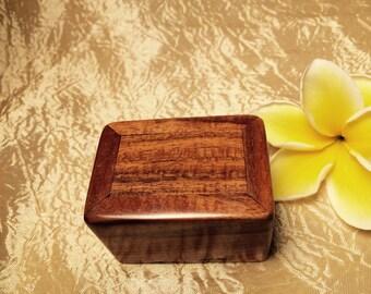 Hawaiian curly Koa box (mini)