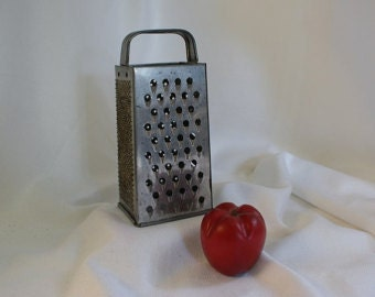 Bromco Box Grater, Food grater, food shredder, vintage tin kitchenalia, Bromwell, kitchen decor, shredder
