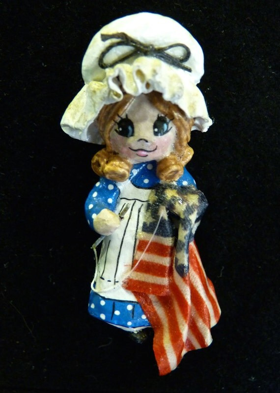 BETSY ROSS Paper Mache Brooch VINTAGE 1970's One Of A Kind
