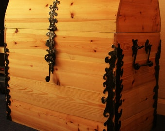 Big handmade Trunk, Chest of drawers