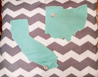 Dual state outline pillows