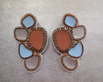 Earrings hand embroidered leather and pearls