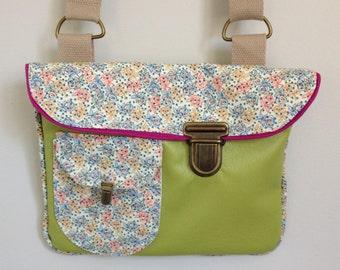 Arty shoulder bag