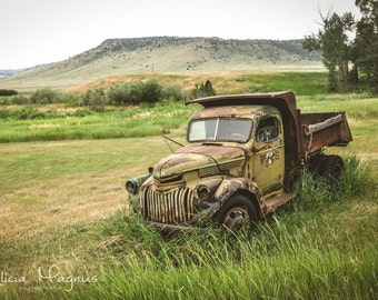 Photography - Country Wall Decor - TRUCK CANVAS PRINT - Old Rustic Truck