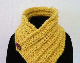 Crotchet Neckwarmer scarf mustard