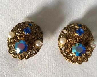 Vintage blue crystal/ rhinestone earrings