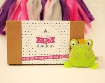 """Sweet Word box """"Will you be my princess?  and his blankie frog felt - Message of love and friendship / Love & friendship message box"""