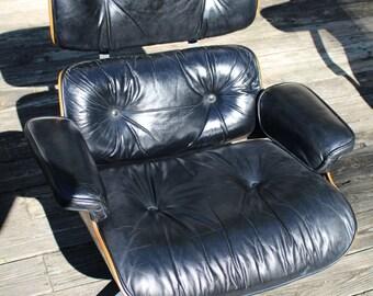 Eames Herman Miller 670 rosewood lounge chair