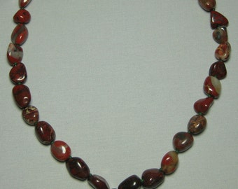 agate strung necklace