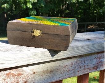 Eggshell Top Box