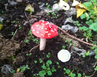 Toadstool Disguised Geocache Container