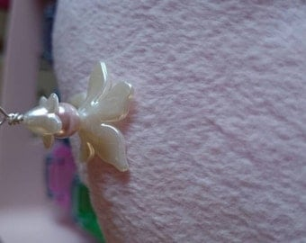 Flower pod pendant