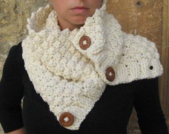 Chunky Cream Handknit Cowl Neckwarmer