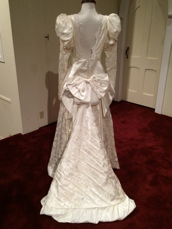 1990 jessica mcclintock wedding gown ivory victorian for Jessica mcclintock wedding dresses outlet