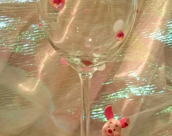 Piglet Figurine Glitter Wine Glass