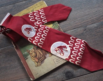 Vintage 1940s Necktie // 40s 50s Red Horse and Horseshoe Tie // Novelty Print // Equestrian
