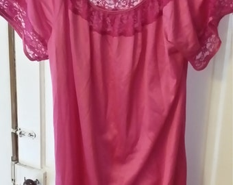 Vintage Nightgown 1960s