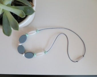 Silicone Teething Necklace / Nursing Necklace - Mint/Grey/White - Keppoch - Choo-ables