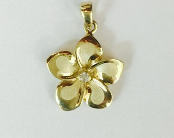 14k gold plumeria flower pendant 10mm