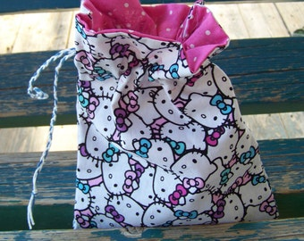 Hello Kitty Dice Bag with Dice