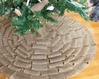 Old Fashioned Christmas Tree Skirt