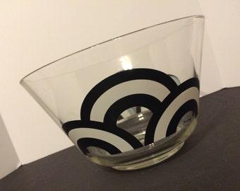 Retro Colony Large Bowl Black & White Design