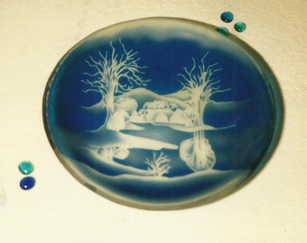 Round tray blue plated glass, sand etched decoration.
