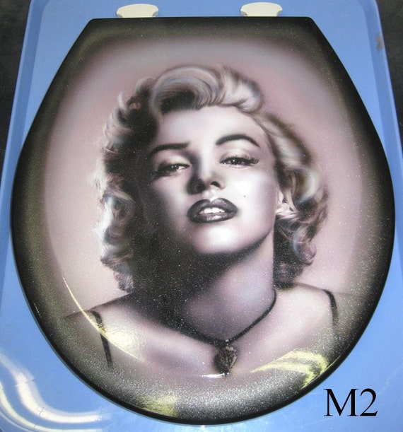 marilyn monroe custom airbrushed toilet seat 2 choices new. Black Bedroom Furniture Sets. Home Design Ideas