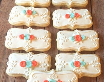 White embellished cookie