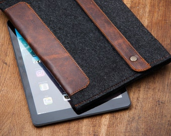 Dark Felt iPad Mini 2 Case with Leather closure. Leather Cover for iPad Mini 1 2 3 4. iPad Mini Sleeve Bag with felt & leather