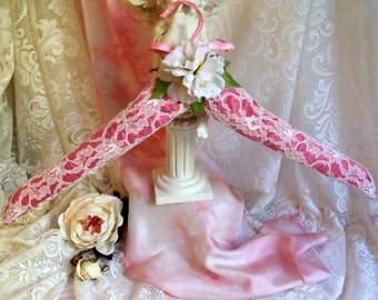 Romantic hanger, hanger for bride, padded hanger, hanger decorated, ribbons, white lace, flowers, pink satin, French Touch
