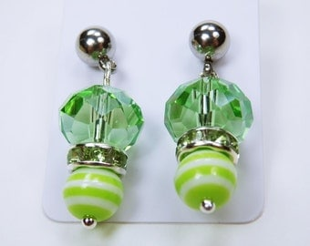 Earrings with green beads and earrings made of stainless steel