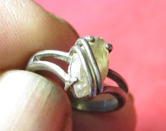Vintage silver 925 with White Jewel size 6   1/2