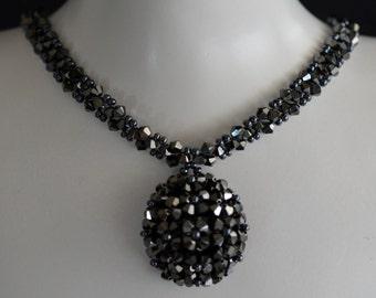 "Swarovski crystal necklace ""In the dark"" hematite 2x"