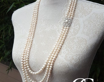Vintage Inspired 3 Row Freshwater Pearl Necklace & Silver Brooch 38""