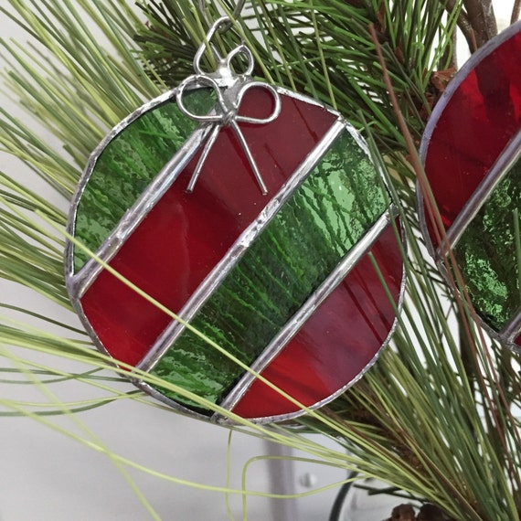 Ornament striped balls with silver bows christmas tree