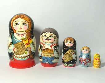 Nesting Dolls Girl with Apple, Russian Nesting Dolls, Ukraine Ethnic Dolls, Wooden Toy, Homemade Dolls, Funny Gifts, Kids Room Decor