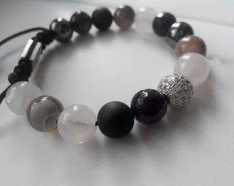 Bracelet with natural stone beads