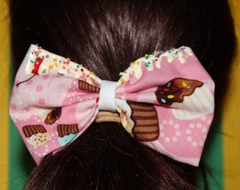 Cupcake and Frosting Bow